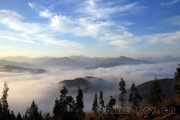 白河县自然风光:绣屏山云海