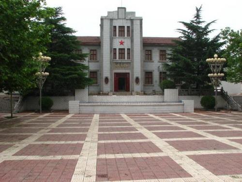 蒲城勿幕图书馆