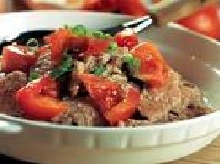 安塞县民间小吃:西红柿焖牛肉