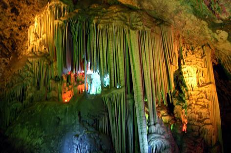 商洛市旅游景点:柞水溶洞