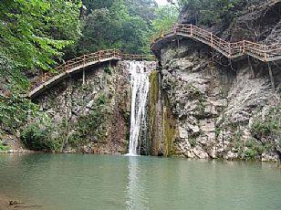 商南金丝峡双溪瀑布