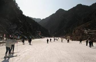 商州牧护关滑雪(草)场