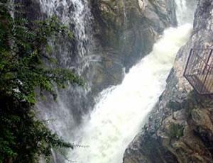 户县高冠瀑布