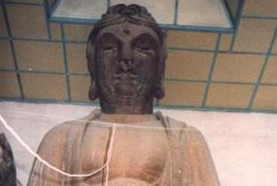 富平县旅游景点:富平铁佛寺铁佛像