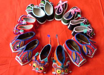 礼泉绣花鞋[图]