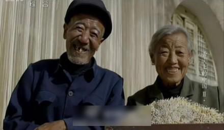 安慰真实照片_家里老人去世,怎么说安慰家人的话?-亲人去世怎么安慰,亲人去世 ...
