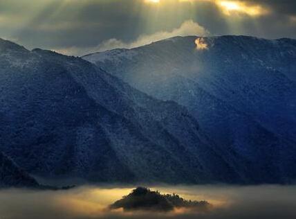 日照化龙山